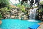 SO Spa Float pool with waterfall. Sentosa Resort and Spa.