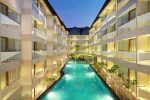 Ibis Styles Kuta Circle Hotel and swimming pool