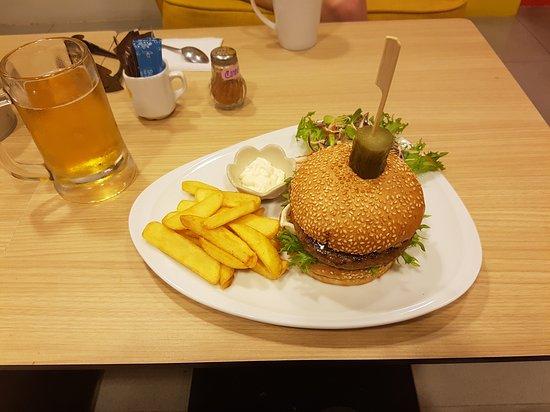 Burger at Nami, Karon, Phuket image courtesy Tripadvisor