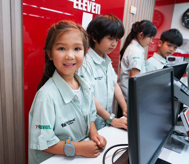 7-Eleven Employee at Kidzania Bangkok